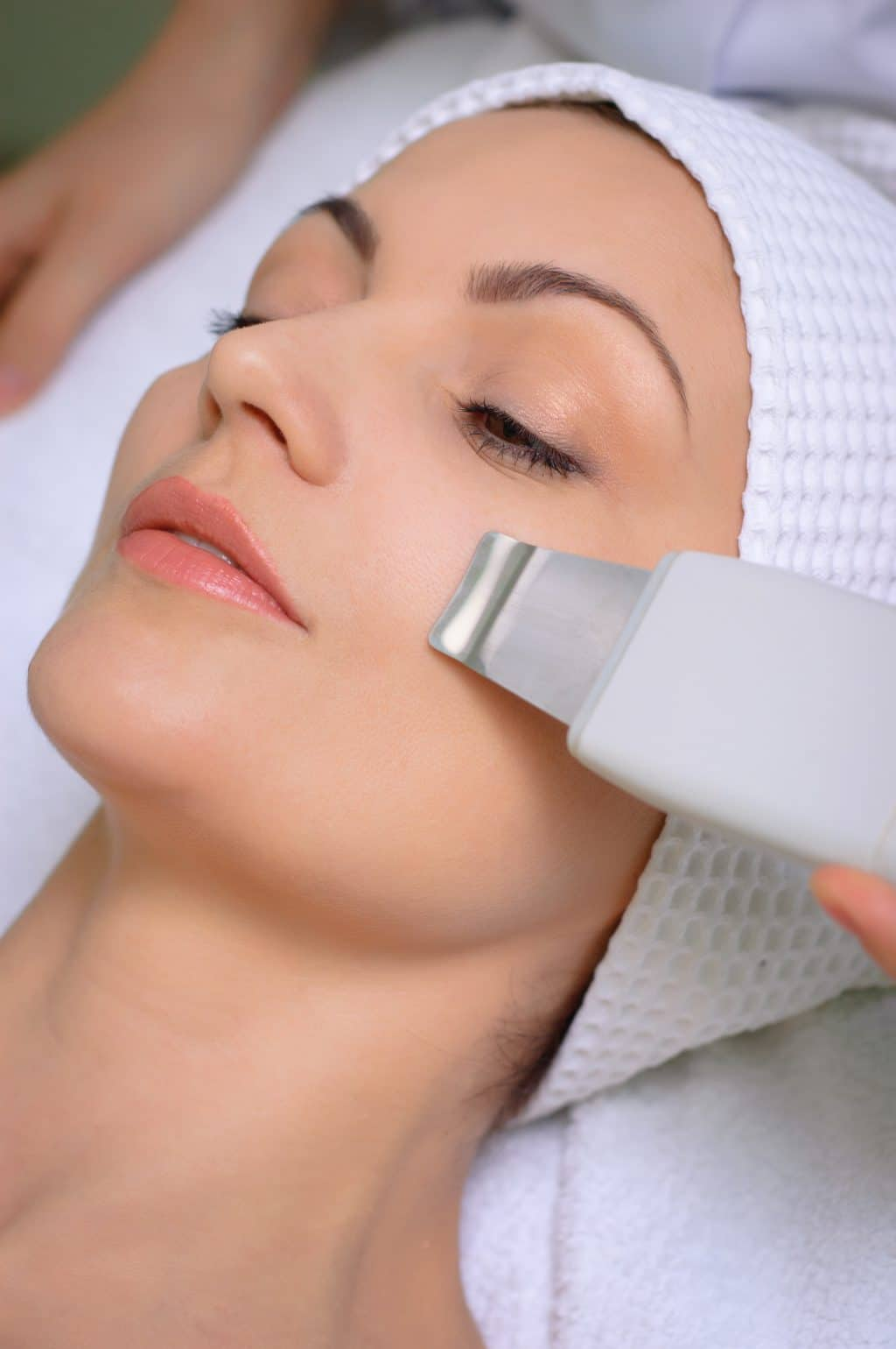 Ultrasound,woman,ultrasound skin cleaning,beauty salon,Latisse Product , Botox Cosmetic treatments, facial wrinkle treatments, Ultrasound treatments, Acne Awareness, Pittsburgh Medical Mall, medical providers network, medical providers, medical care providers network, medical supplies, deals, medical offers near me